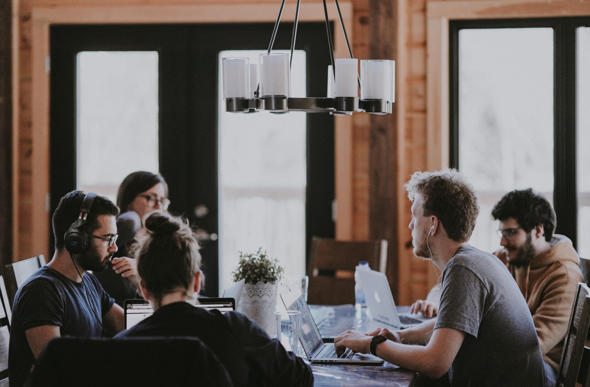 Samenwerken aan tafel