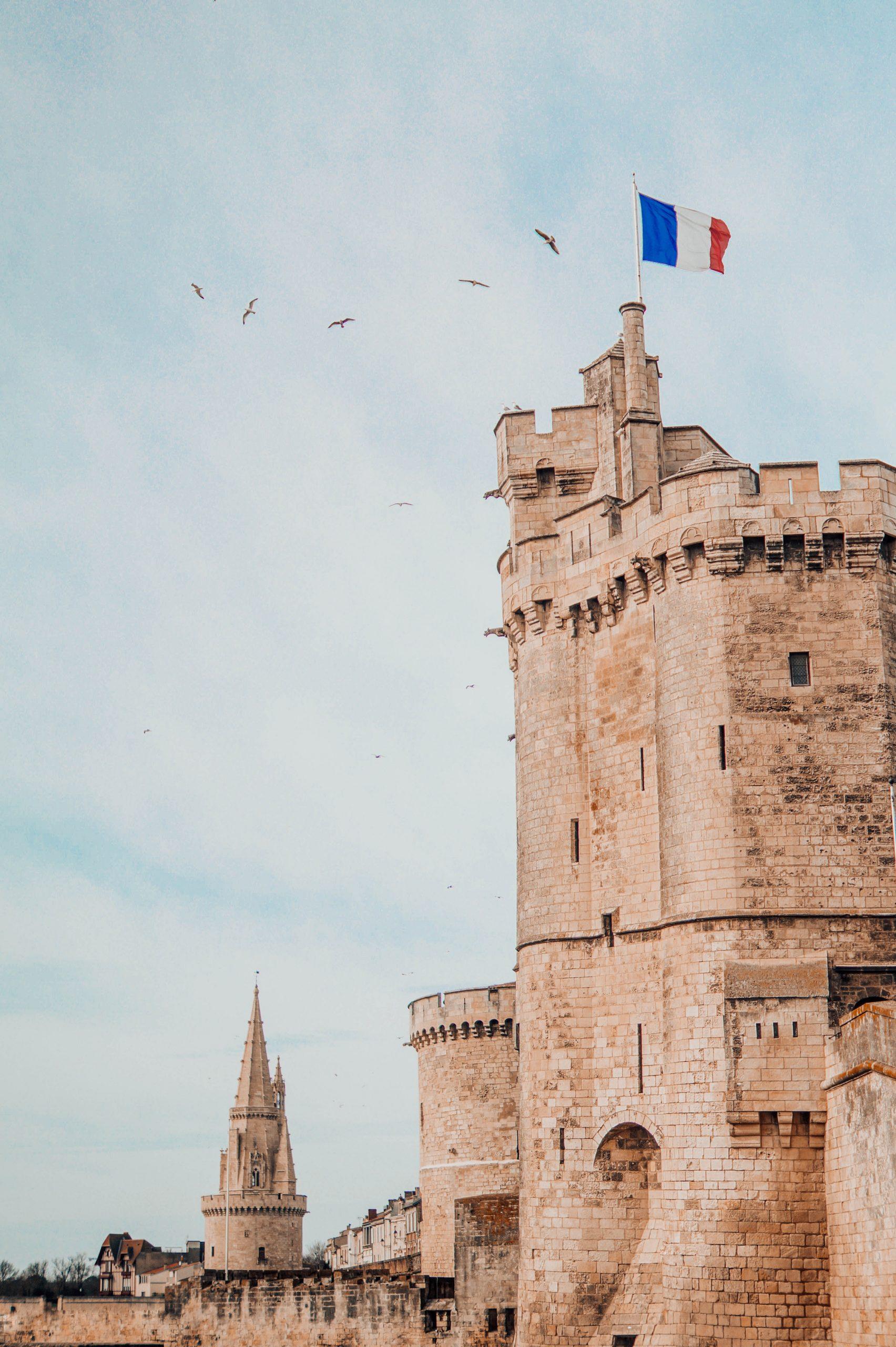 Gebouw met Franse vlag
